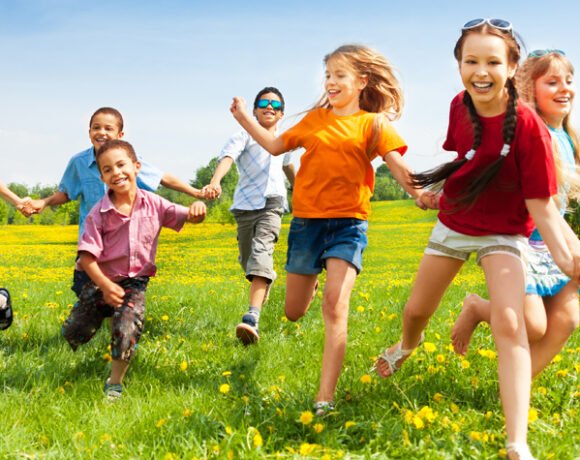 sports, play outdoors, physical activities, single parent